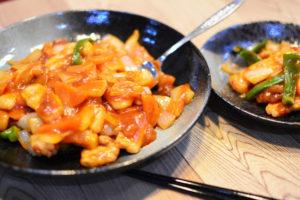 簡単にできる酢豚の作り方♬揚げずにつくる低カロリーの酢豚レシピです。