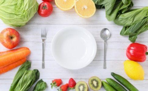 プリン体と尿酸値はどんな関係があるの?プリン体が多く含まれる食べ物や通風への影響について解説