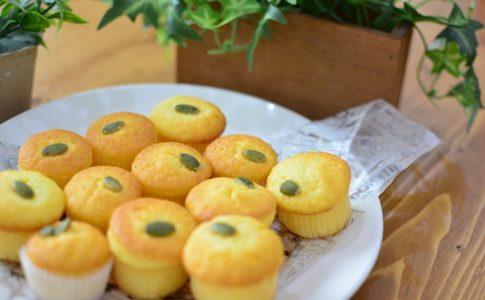 とても簡単につくれるふわふわマドレーヌ♪基本的に混ぜるだけのお手軽お菓子レシピです♪