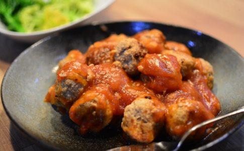 お弁当にも便利な人気の肉団子レシピ★甘酢あんが美味しいジューシー肉団子♬