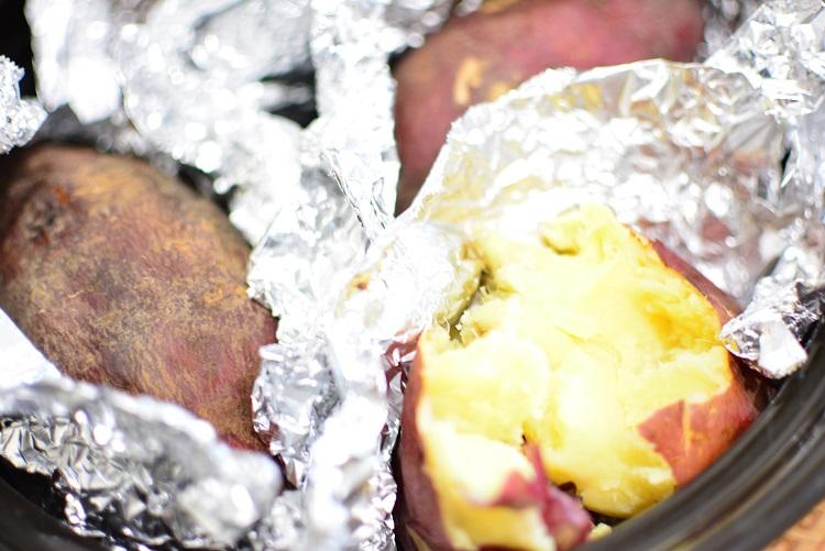 土鍋でしっとり甘い焼き芋を作ろうレシピ♬